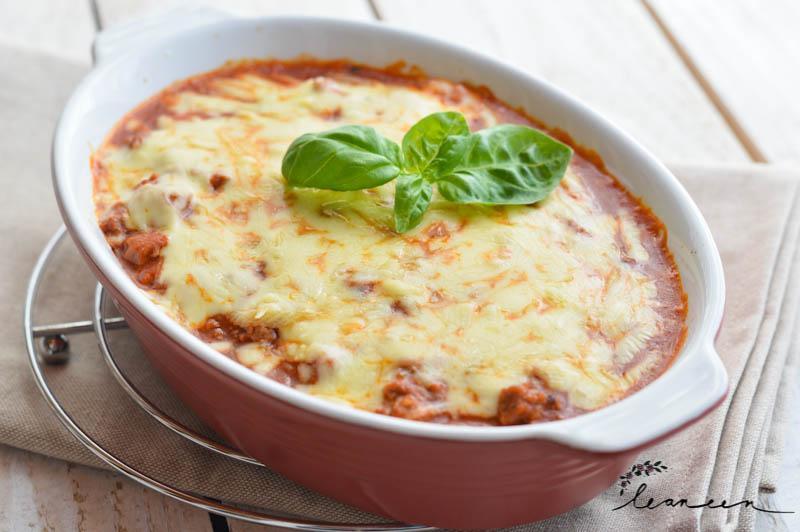 Domači skutini njoki z omako bolognese