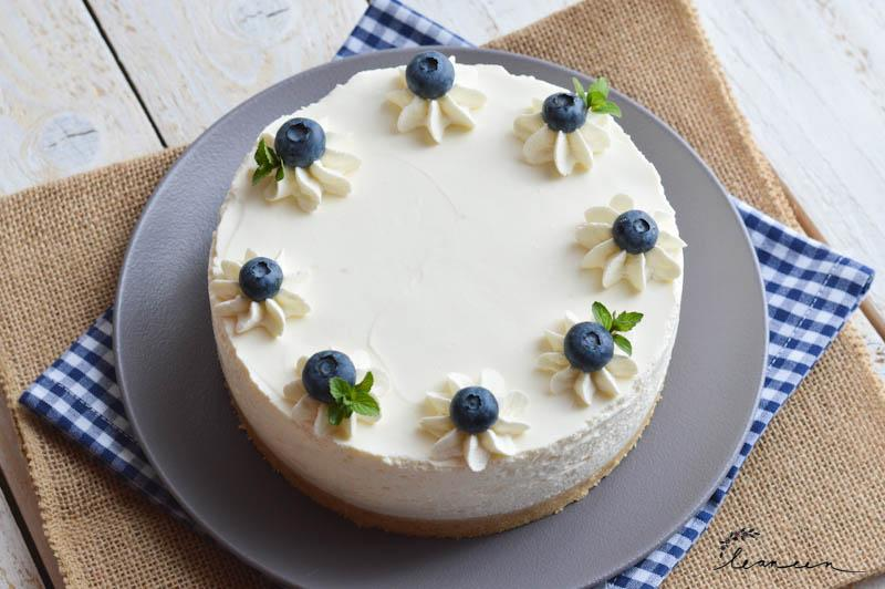 Jogurtova torta z borovnicami