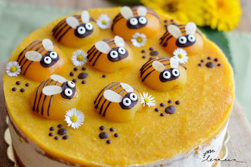 Torta čebelica sočna marelična torta