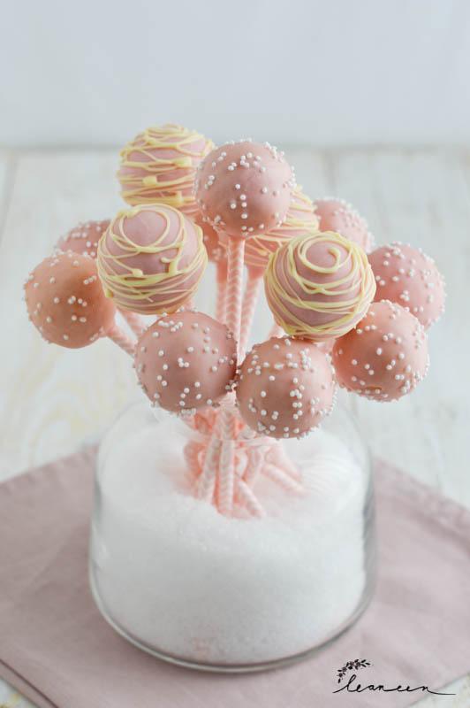 Kokosovi cake popsi
