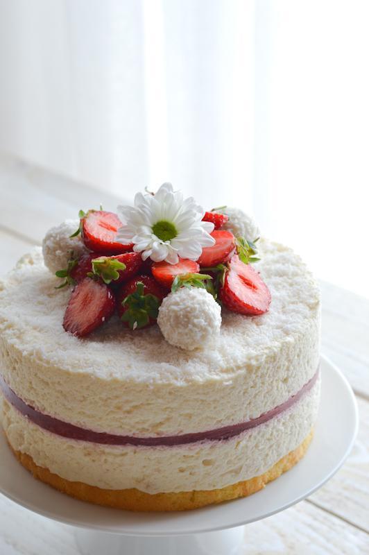Raffaello torta z jagodami