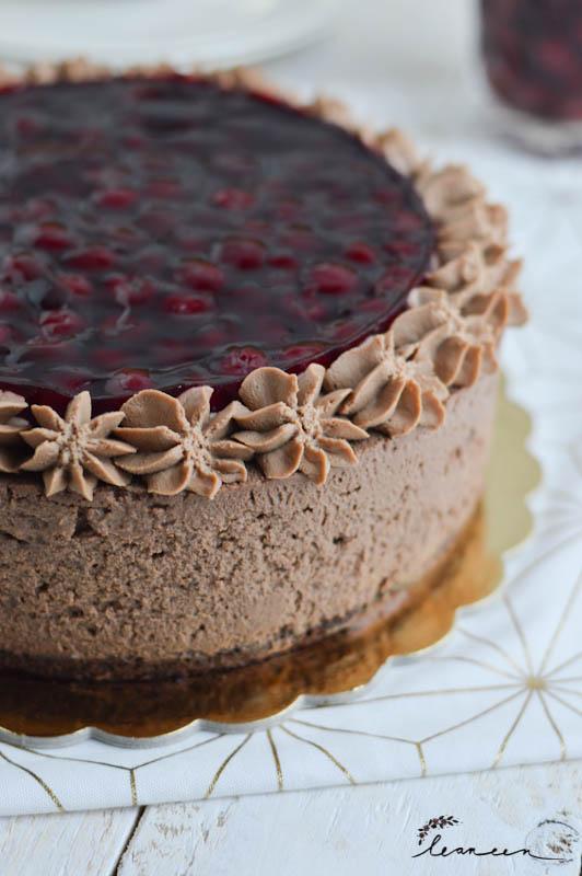 Višnjeva torta s temno čokolado