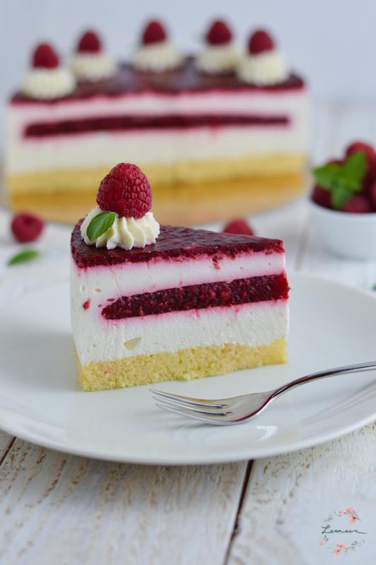 Malinova torta z grškim jogurtom