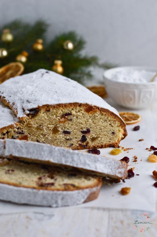 Božični kruh Stollen