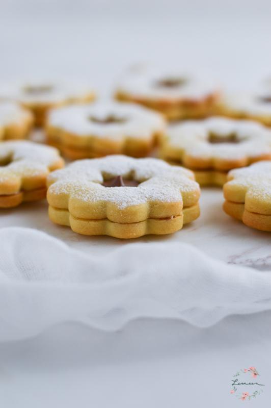 Masleni piškoti s čokoladnim namazom