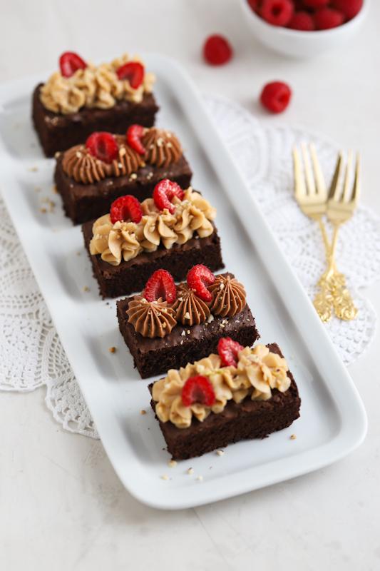 Brezglutenski browniji s čokoladno kremo