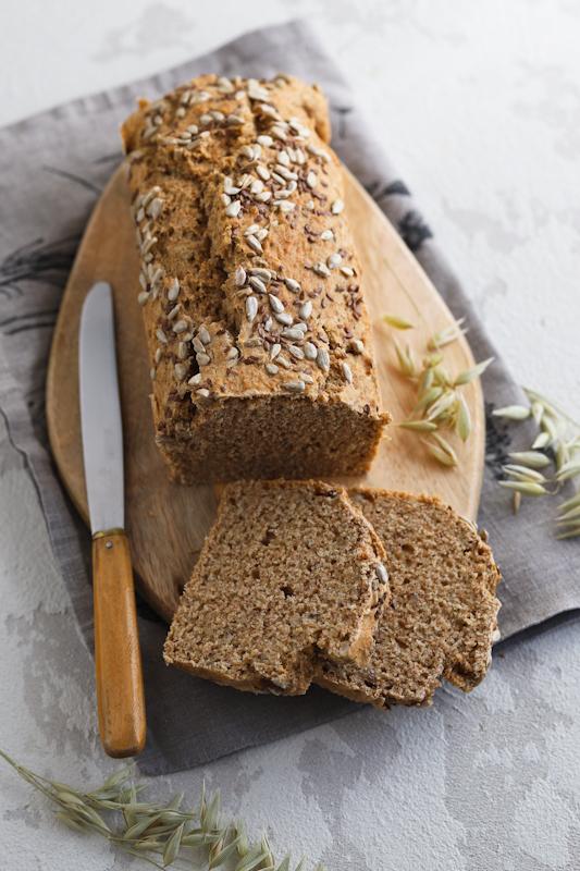 Kruh brez gnetenja in brez kvasa