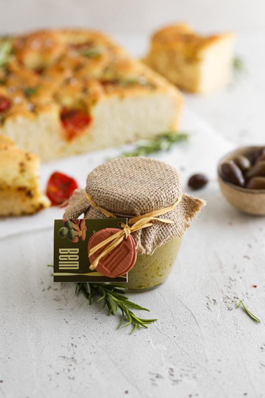 Namaz iz oliv in mandljev