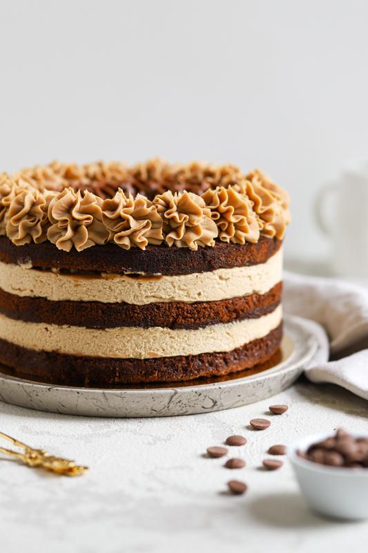 Karamelna torta z arašidi (Snickers torta)