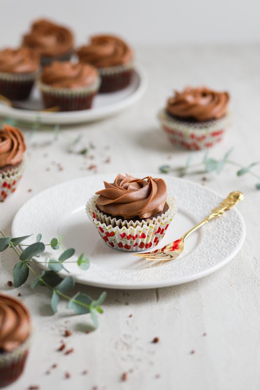 Čokoladni kolački z višnjami