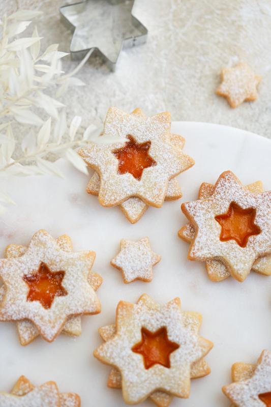 Mandljeve zvezdice z marmelado