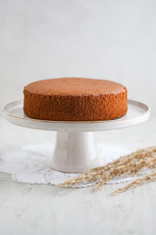 Popoln biskvit za torto