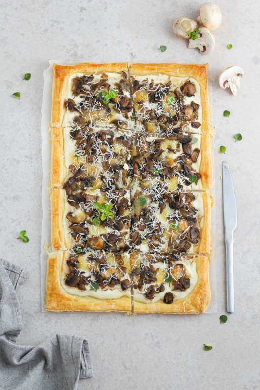 Listnata pita z ricotto in šampinjoni