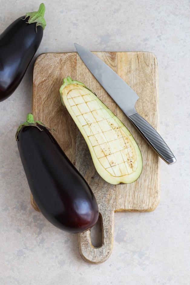 Jajčevci polnjeni z mesnim nadevom v paradižnikovi omaki Leaneen recept
