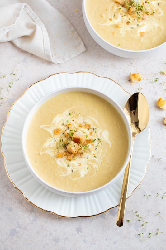 Kremna juha s porom in pečeno cvetačo Leaneen recept